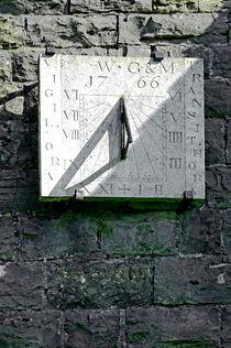 Vertical Sundial on Fenny Bentley Church von Rod Johnson
