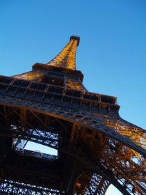 La Tour Eiffel  by Jake Ratz