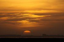 Sonnenuntergang an der Emsmündung - Sunset at the Ems estuary von ropo13