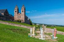 Abtei Hl. Hildegard mit Hildegards Visionen von Erhard Hess
