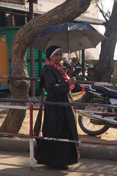 Schmutzige Indische Nonne