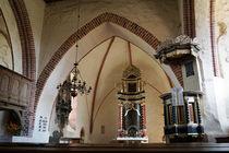 In der Kirche von Basse by Sabine Radtke