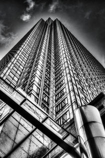 Canary Wharf Tower by David Pyatt