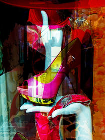 One pink shoe von Gabi Hampe