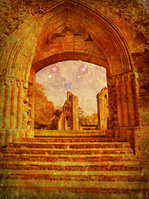 Grand Entrance. by Heather Goodwin