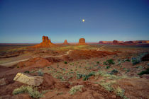 Moonlight-over-monument-valley