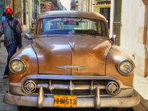 1953 Chevrolet in Havana, Cuba (2) von rene-photography