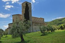Toskana - Abbazia di Sant' Antimo by Wolfgang Dengler