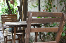 Empty Table von Khac Hieu Hieu