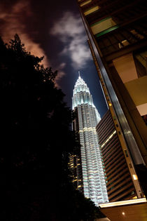 Petronas Towers by David Pinzer
