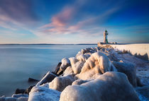 Glazed Lighthouse I by David Pinzer