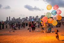 Beach Balloons by Johannes Elze