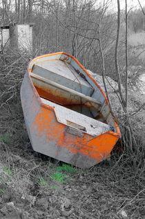 Betonwerks-Ruderboot by Joachim P. Pudrel