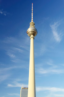 Berliner Fernsehturm - Blue Sky by MaBu Photography