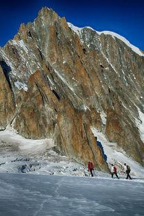 Bergsteiger im Aufstieg von Torsten Kleint