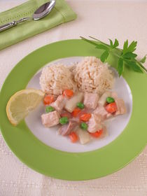 Hühnerfrikassee mit Möhren, Erbsen und Spargel von Heike Rau