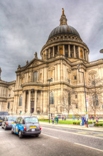 St Paul's Cathedral London by David Pyatt
