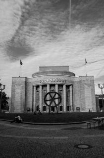 Berliner Volksbühne by Magdalena Zlotos