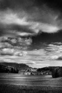 Un petit val près de chez moi // A small valley near home // Ein kleines Tal nahe von bei mir by Olivier Mavilia