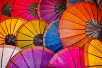 Colorful paper ombrellas von Luciano Lepre