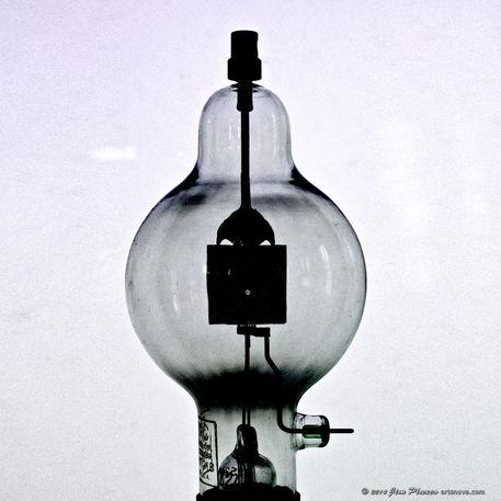 Antique-lightbulb