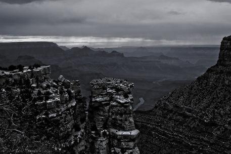 Rock-pillar-grand-canyon-bw