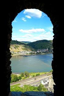 Schießscharten-Ausblick auf den Rhein ... by Joachim P. Pudrel