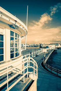 Pier back to the beach by Malc McHugh