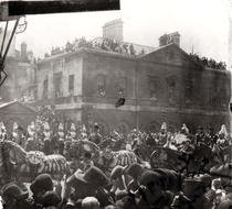 Jubilee Procession in Whitehall, 1887 (b/w photo) von Bridgeman Art