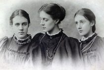 Stella, Vanessa and Virginia Stephen, c1896 von Bridgeman Art