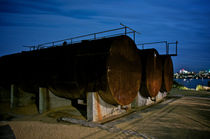 Ballast Park Storage Drums at Night von Tim Leavy