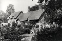 Anne Hathaway`s cottage bw photo von Bridgeman Art