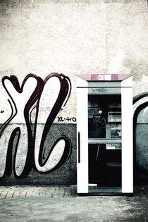Irgendwo in der Stadt by Bastian  Kienitz
