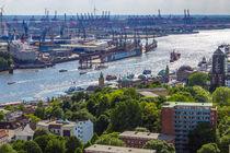 Blick nach Westen über Hamburgs Dächern von Dennis Stracke