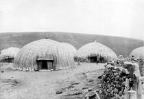 Kaffir Huts, South Africa, c1914 von Bridgeman Art