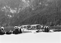 Boats at Konigssee, c.1910 (b/w photo) von Bridgeman Art