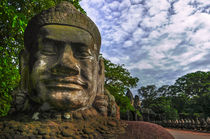 Buddha statue, Angkor Thom, South gate by Luciano Lepre
