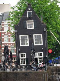 Sightsseeing Amsterdam - das schiefe Gasthaus von techdog
