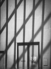 Metropolitan Museum of Art - Minimalist Black-and-White von Jon Woodhams