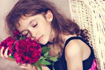 Sleeping on the flowers von Tatyana Nazarenko