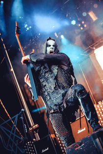 """Adam """"Nergal"""" Darski during the show von nataliadiehexe"""