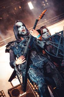 "Adam ""Nergal"" Darski during the show by nataliadiehexe"