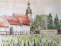 Teich mit Schilfrohr und Kirche in Göhritz von Heike Jäschke