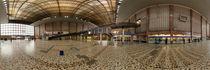 Wien, alter Südbahnhof: Bei den Fahrkartenschaltern by Ernst  Michalek