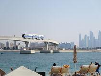 Auf der Palmeninsel (Dubai) by Renée König