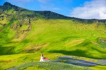 Kirche und Landschaft in Vik Island by Matthias Hauser