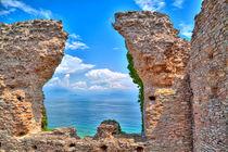 Grotte des Catull in Sirmione am Gardasee by Gina Koch