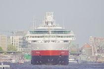 Hamburg, Hafengeburtstag -harbours birthday ,hurtigruten von Marc Heiligenstein
