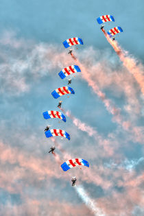 Falcons - RAF Parachute Display Team von Steve H Clark Photography