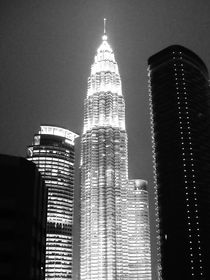 Petronas-tower-bw